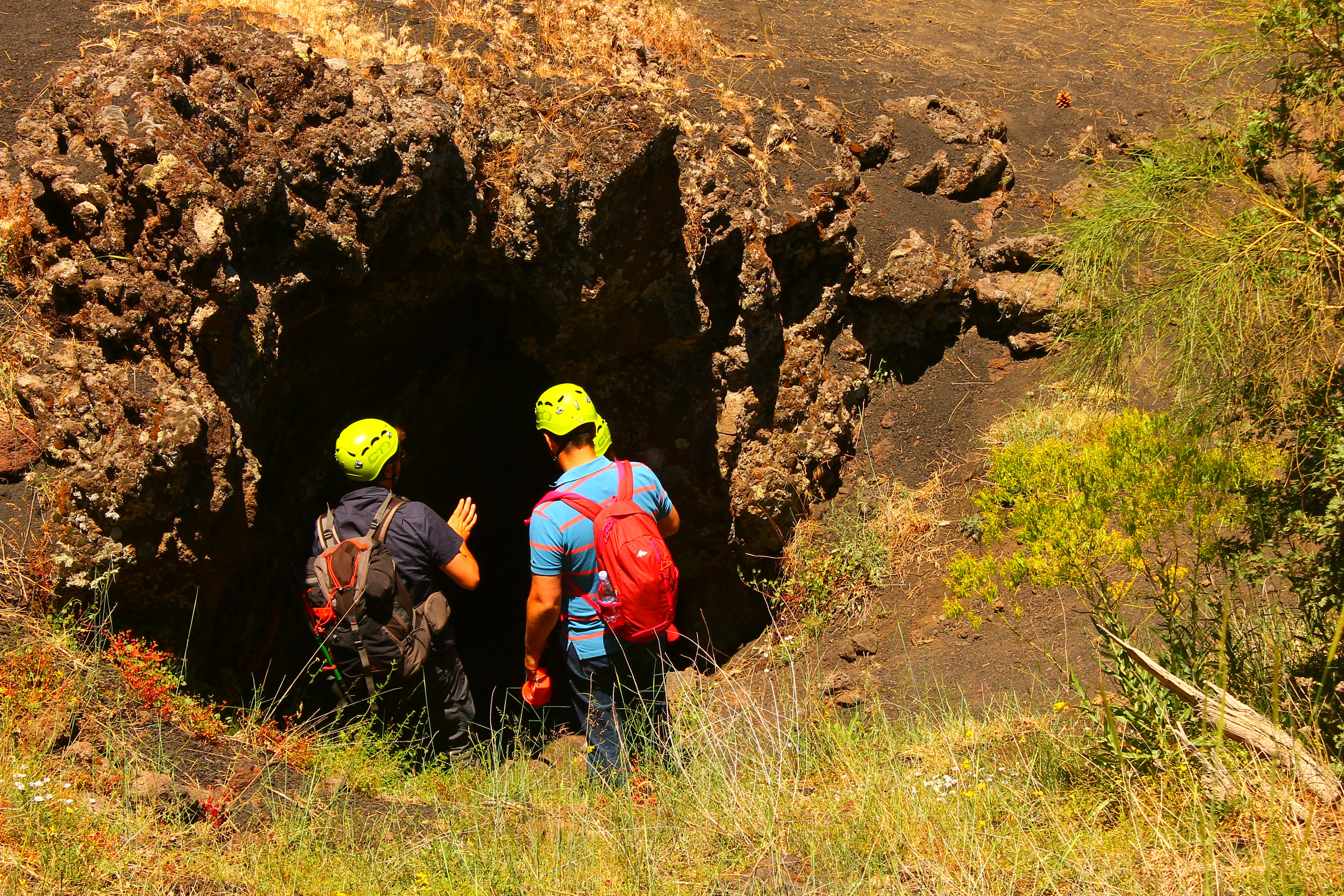 exploring etna lava caves
